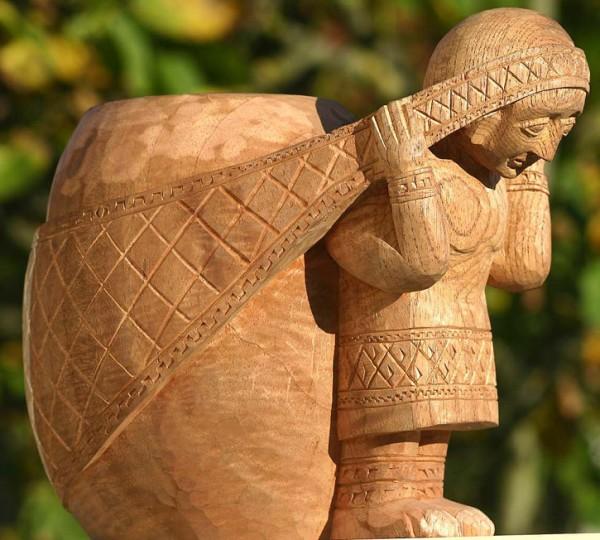 Dekorative Vase mit Inkamädchen