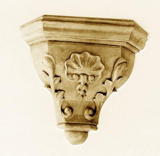 Eckkonsole ornamentiert